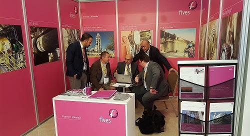 Miniature event presentation bis-FIVES Fives in Cement | Minerals