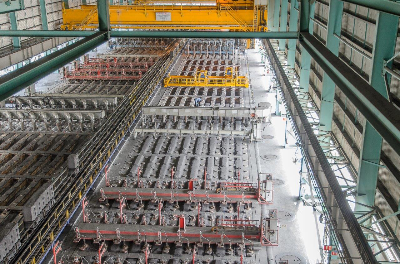 A Canadian Aluminium producer Trusts Fives to Bake its Anodes FCS-FIVES